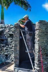 Bauarbeiten Natursteinverkleidung
