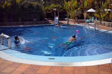 Badespass im fertigen Pool