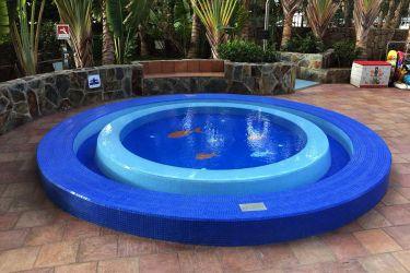 vollendete Renovierung kleines Becken